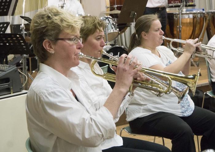 Trompet sectie kan nog wel wat ondersteuning gebruiken.