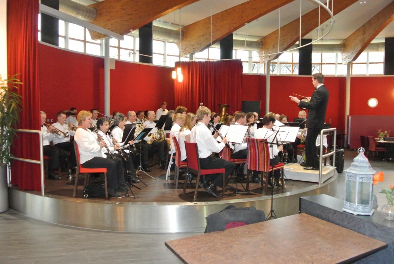 Dirigent Martijn van Tent voor dit orkest